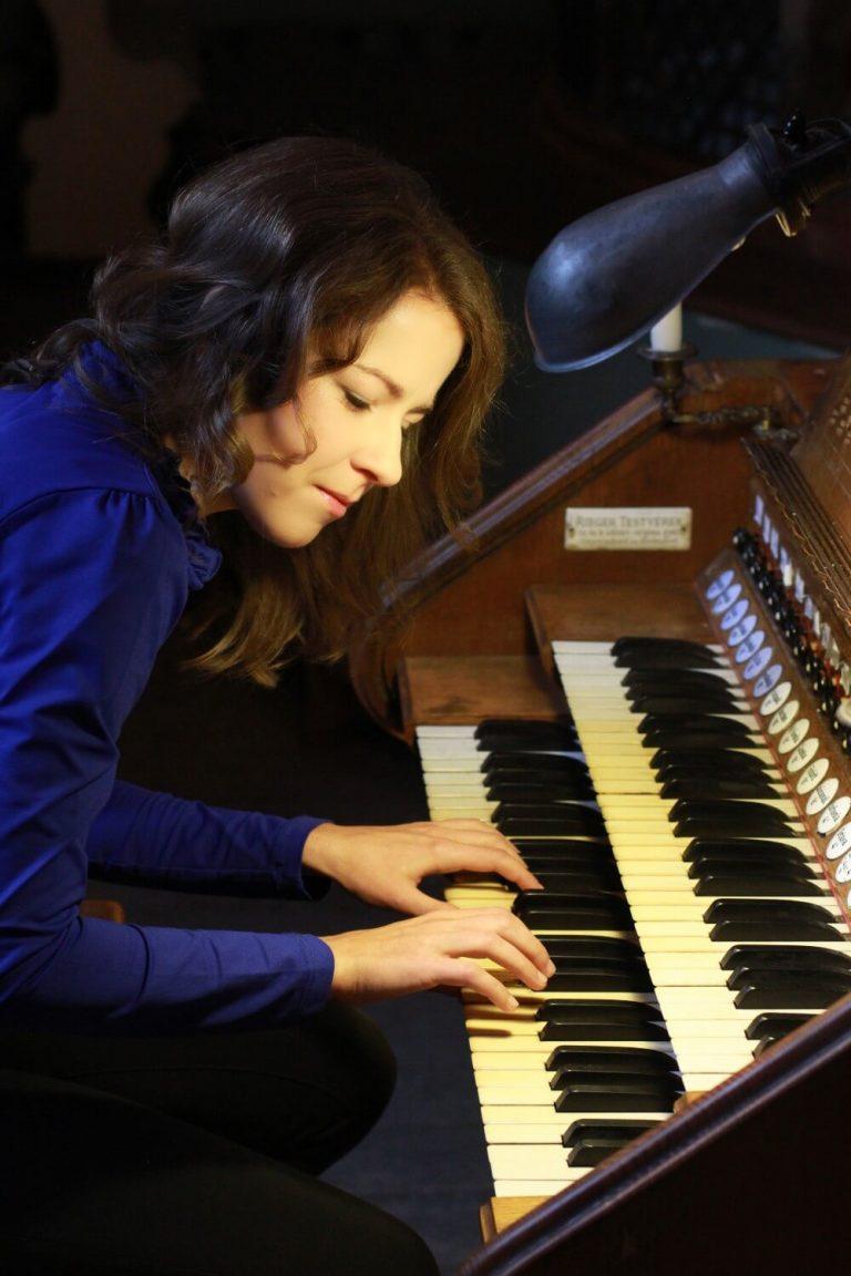Kály-Kullai-Rita orgonaművész -A fényesség felé